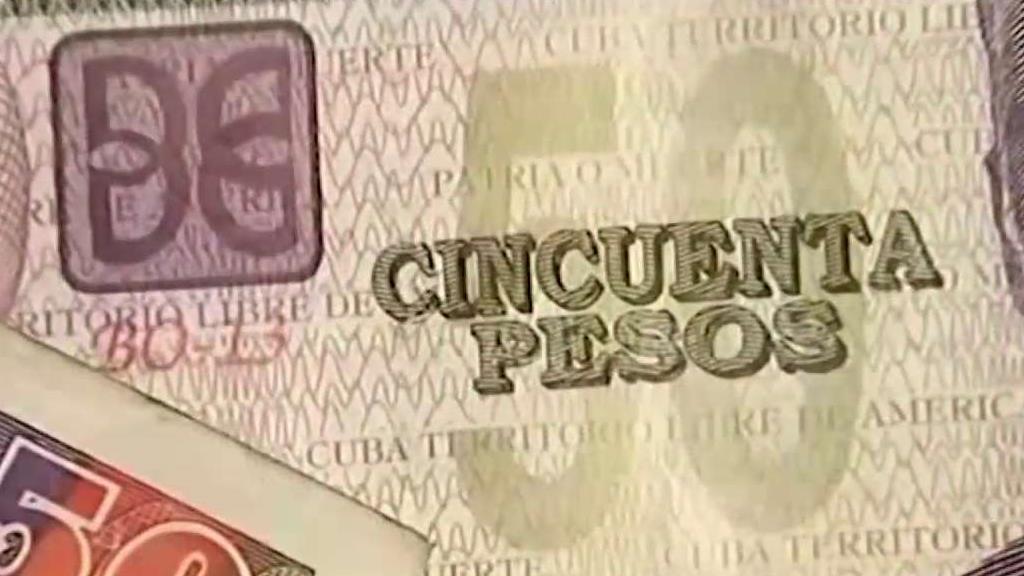 Cubanos Enfan Cambio De Moneda