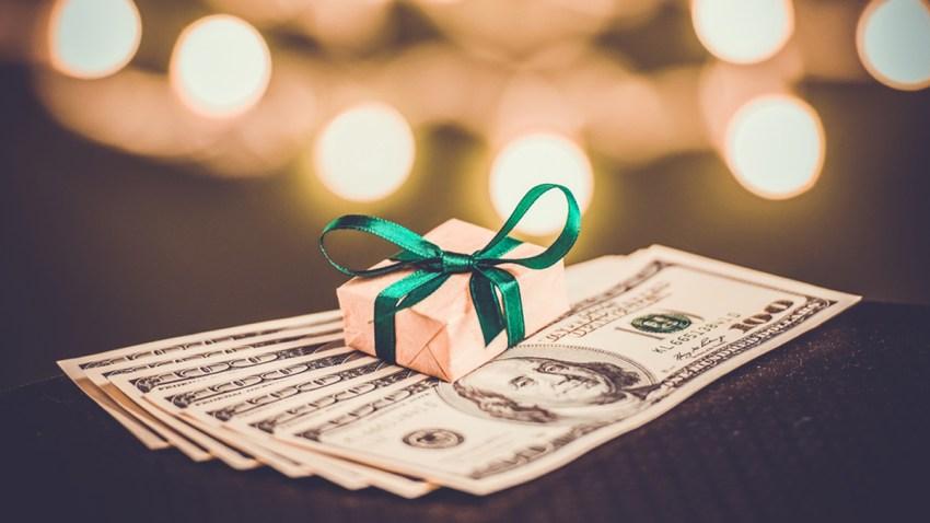 Guia-para-dar-propinas-durante-los-dias-festivos-de-Navidad-406609435