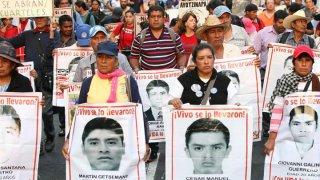 ayotzinapa-marchas-protestas-desaparecidos