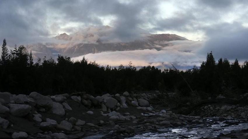 chile-rio-blanco-volcan-cal