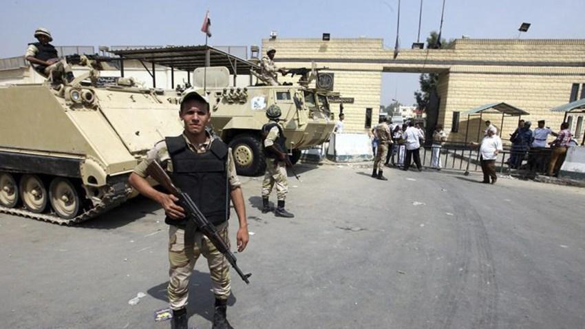 egipto-entrada-carcel
