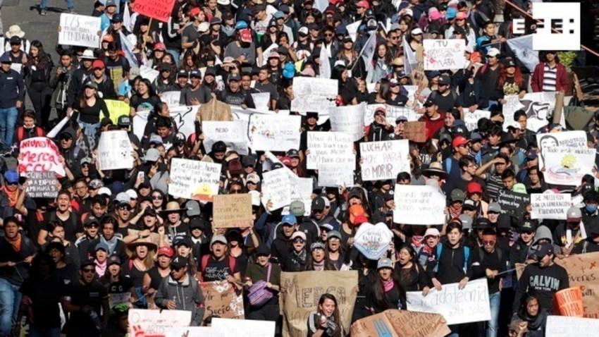 universitarios protestan por asesinatos