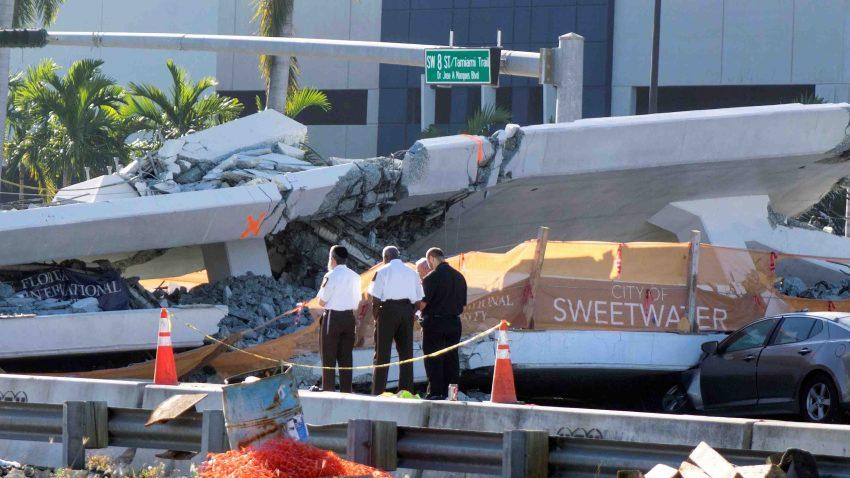 Suben a 6 los muertos por el hundimiento de un puente peatonal e