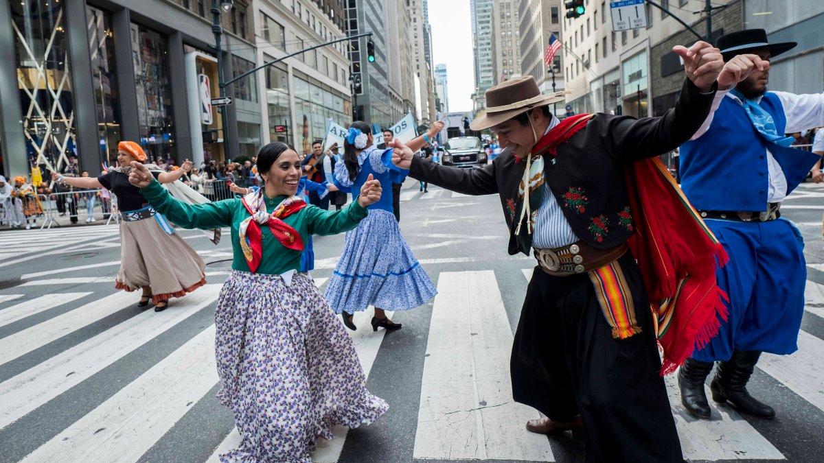 Por qué EEUU celebra el mes de la Herencia Hispana el 15 ...