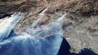La NASA dio a conocer imágenes tomadas desde la Estación Espacial Internacional de los incendios que afectan el sur de California.