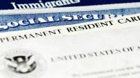 Desde que comenzó el gobierno de Trump, abogados han notado esperas más largas en procesos de residencia, ciudadanía, visas, y asilo.