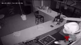 Buscan a ladrones de restaurante en calle Flagler