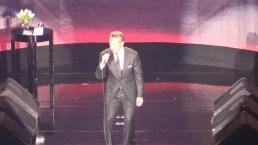 Luis Miguel empieza gira en México aferrado a sus grandes éxitos