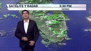 Cálido estará el primer fin de semana del verano en el Sur de Florida. El índice de calor podrá superar los 100 grados Fahrenheit ambos días. En cuanto a lluvia, comenzaremos con nubosidad parcial que irá en aumento, con aguaceros y tormentas en la tarde