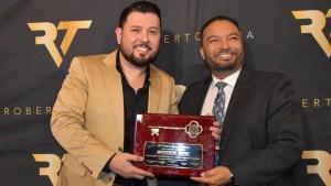 Roberto Tapia recibe las llaves de ciudad en California
