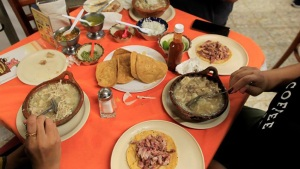 Lo que tienes que saber del pozole, el caldo más famoso de México