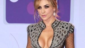 En fotos, el escotazo de Aracely Arámbula en Premios Tu Mundo