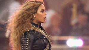 Indignación por fan jugando pokémon en concierto de Beyoncé