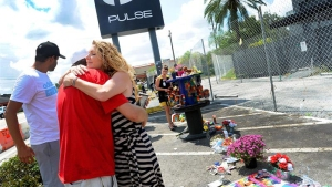 Orlando recuerda a los muertos en la masacre de Pulse