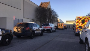 Terror en un mall: un muerto y cinco heridos en asalto a joyería