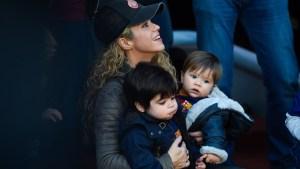 Sasha, hijo de Shakira, mueve las caderas como su mamá