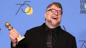 Con hamburguesa: así celebró Guillermo del Toro un nuevo Globo de Oro para México