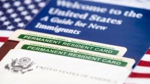 USCIS sube las tarifas de trámites de inmigración
