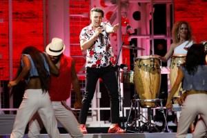 Jencarlos clausura Premios Tu Mundo