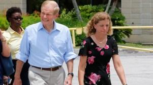 Centro de detención niega acceso a legisladores demócratas