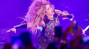 Shakira recibe a invitada especial en un concierto