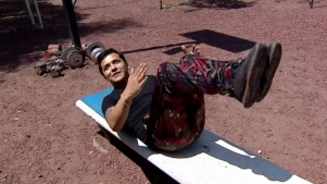 Christian Nodal muestra su rutina de ejercicios