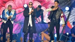 Explosivo Daddy Yankee con Chino & Nacho en Premios Tu Mundo