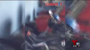 Policía golpea a bicitaxista