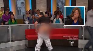 Caso Cerrado: estallan de risa cuando enseña nalgas en pleno show