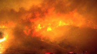 Evacuaciones por dantesco incendio en California