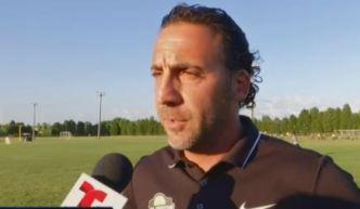 Famoso exjugador de fútbol americano es ahora entrenador de fútbol