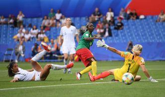 2-1 Camerún saca un triunfo valioso ante Nueva Zelanda