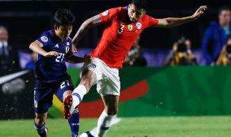 """Tremendo túnel, el """"Messi japonés"""" muestra su genialidad ante Chile"""