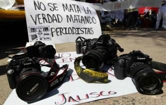 """Periodistas lanzan un """"¡basta ya!"""" contra la violencia"""