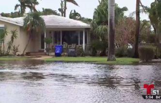 Inundaciones y caos en calles del sur de la Florida