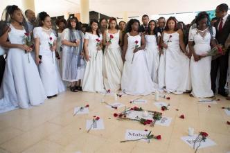 Dominicanas marchan contra la violencia de género