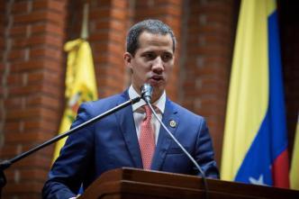 Guaidó responde si está dialogando o no con el régimen