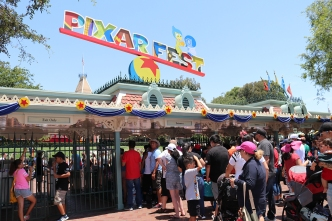 Menor pudo contagiar de sarampión a cientos en Disneyland