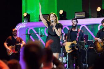 Cancela concierto en Miami tras fotos con Mariela Castro