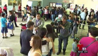 Feria da bienvenida a estudiantes puertorriqueños
