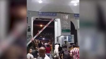 Cubanos intentan cruzar frontera de EEUU a la fuerza