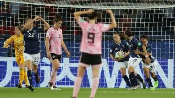 "¡Gol de Argentina! Milagros ""Mili"" Menéndez anota"
