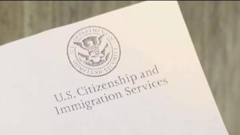 Si recibió una carta de USCIS en español, cuidado: Puede ser un fraude