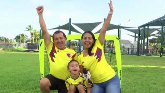 Familia colombiana vive la pasión del fútbol por generaciones