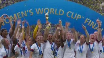 Fanáticos celebran la victoria de EEUU en Copa Femenina