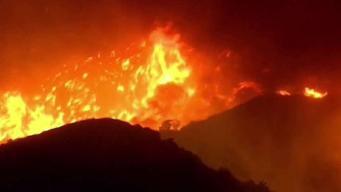 Incendio deja en penumbras a miles en California