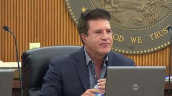 Inician proceso para revocar alcalde de Hialeah