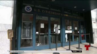 Denuncian confusión en información de citas de Inmigración