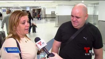 Llega a Miami primera familia cubana procesada en Colombia