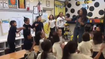 Viral: canción hace famosa a maestra y sus alumnos